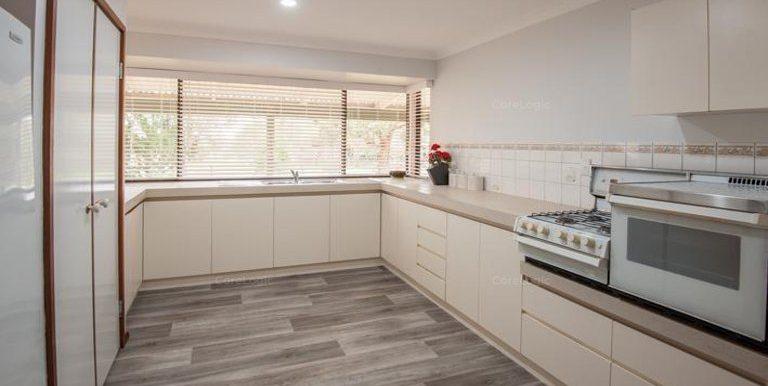 91 Rose kitchen 2nd dwelling