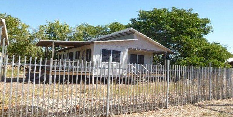 30 Koolama St Wyndham house from road
